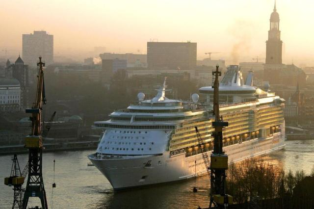 Royal Caribbean seleciona profissionais para trabalho em seus navios Ver Descrição/Ver Descrição