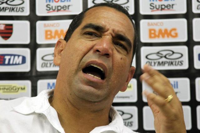 Zinho terá conversa para definir futuro de Deivid Maurício Val/VIPCOMM