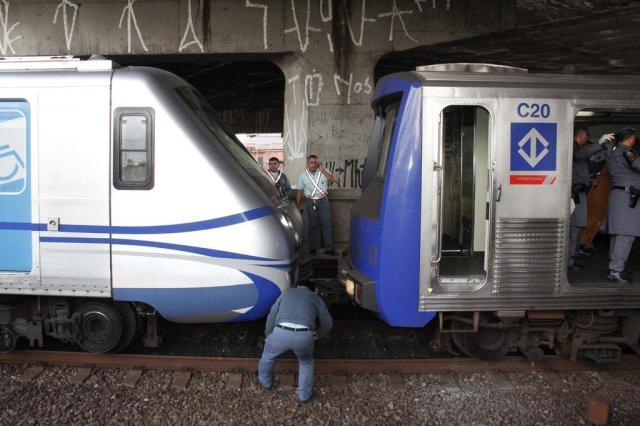 Falha no freio teria causado colisão entre trens no metrô de São Paulo, diz sindicato DIOGO MOREIRA/FUTURA PRESS/AE