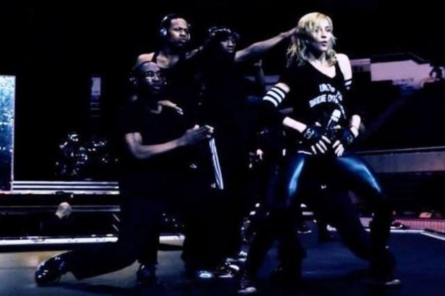 Madonna divulga novas fotos dos ensaios da turnê do disco MDNA Divulgação/www.facebook.com/madonna