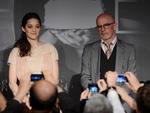 """Marion Cotillard com o diretor Jacques Audiard na conferência de """"De Rouille et D'Os"""" no segundo dia de Festival"""