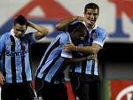 André Lima cumprimentou o volante Fernando pelo gol marcado, ainda no primeiro tempo