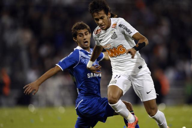 Santos recebe o Vélez precisando reverter vantagem para avançar às semifinais Juan Mabromata, AFP/