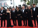 "Robert De Niro, sua esposa Grace Hightower De Niro, James Woods, Jennifer Connely, Paul Bettany em Cannes para a exibição de ""Madagascar 3"""