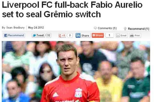 """Site inglês destaca """"gols espetaculares"""" de Fábio Aurélio no Liverpool Reprodução/"""