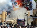 """Apresentação da atração """"Transformers - The Ride 3D"""" teve simulação de explosões e efeitos especiais"""