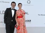 O diretor francês Michel Hazanavicius e a atriz Berenice Bejo no evento da amfAR