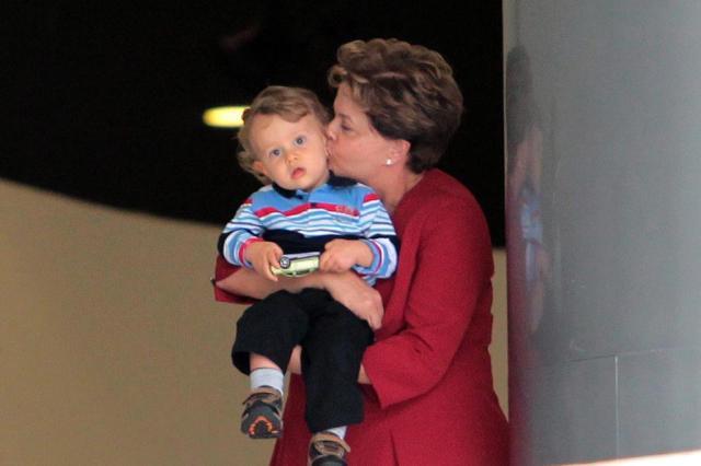 Dilma dá pausa na agenda para mostrar Palácio do Planalto ao neto Gabriel DIDA SAMPAIO/AGENCIA ESTADO