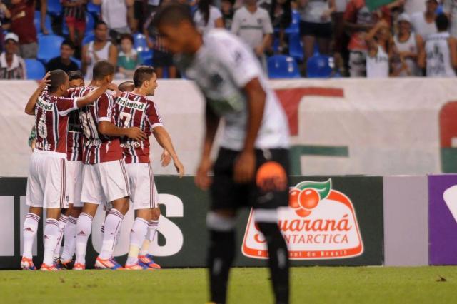 Fluminense vacila e cede empate ao Figueirense Dhavid Normando/Photocamera