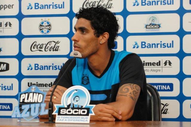Versátil, Vilson se diz à vontade tanto de zagueiro como volante no time do Grêmio Adriano de Carvalho/Agencia RBS