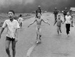 A foto histórica da guerra do Vietña mostra a menina Kim Phuc correndo após ter suas roupas de algodão queimados por napalm