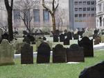 """""""Cemitério localizado ao lado de uma igreja na Pine Street praticamente em frente a Wall street"""""""