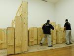 Cada caixa comporta de uma a três obras, envolvidas em materiais como espuma, isopor e etafon, composição que garante a proteção física e o isolamento térmico das pinturas