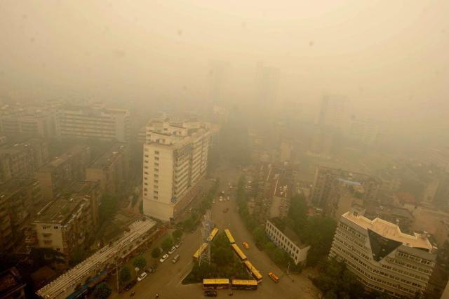 Nuvem amarelada envolve cidade chinesa e causa preocupação AFP/AFP