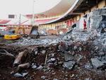 Escombros da arquibancada inferior do Beira-Rio