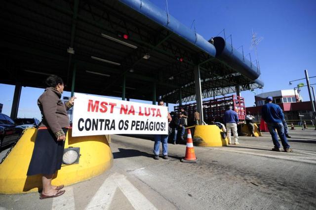 Via Campesina e Movimentos Sociais liberam cancelas de pedágios em sete municípios gaúchos Ronaldo Bernardi/Agencia RBS