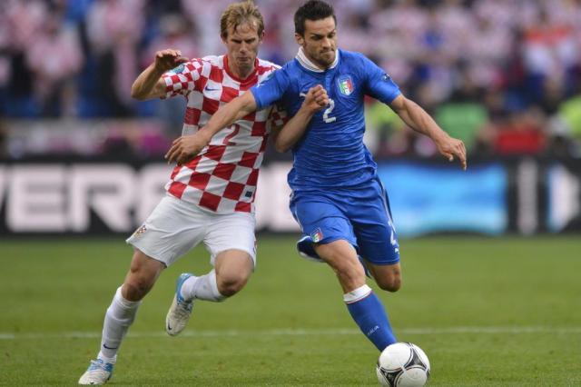 Itália fica no empate com a Croácia e complica classificação na Euro 2012 FABRICE COFFRINI/AFP