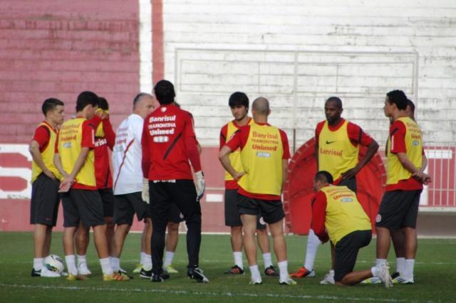 Com D'Alessandro e Oscar no meio-campo ideal, Inter enfrenta o Botafogo no Beira-Rio Alexandre Ernst/Agência RBS