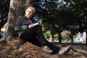 Fumante por mais de 40 anos, aposentada que venceu câncer de pulmão se considera uma sobrevivente Nauro Júnior/Agencia RBS
