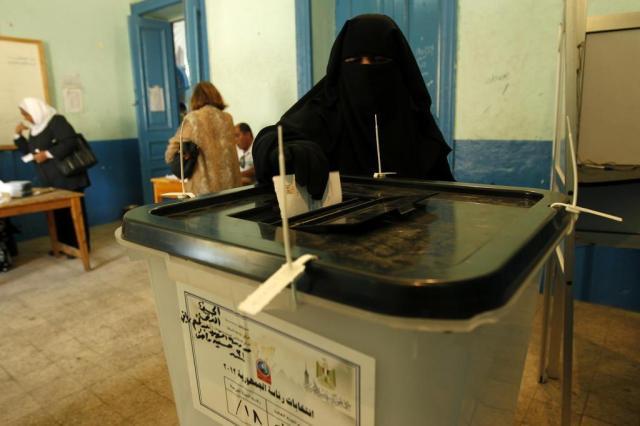 Segundo turno das eleições egípcias se inicia em clima tenso MOHAMMED ABED/AFP