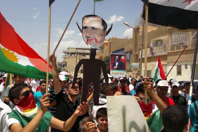 Violência leva observadores da ONU a suspenderem missão na Síria Shaam News Network/AFP