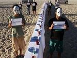 O Movimento Rio da Paz fez uma manifestação contra a fome durante o Rio+20, na Praia de Copacabana, no Rio de Janeiro