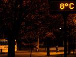 Primeira noite do inverno 2012 em Caxias do Sul. Na BR-116, em frente ao Hospital Geral, termômetro registrou 8ºC