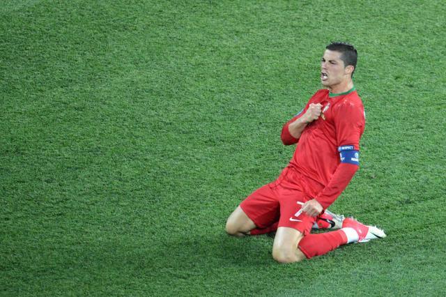 Com CR7 em bom momento, Portugal enfrenta a República Checa Sergey Supinsky,AFP/