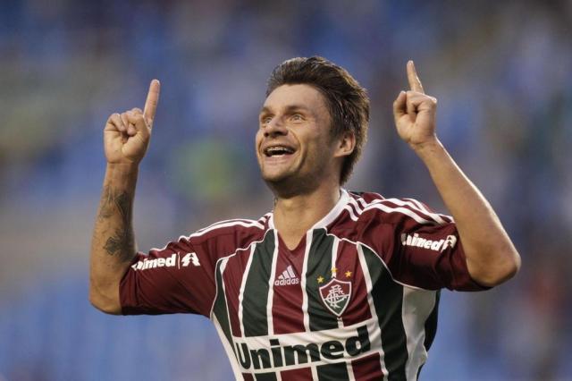 Em reunião, Al Jazira diz ao Fluminense que só aceita vender Rafael Sobis Felipe Dana/AP