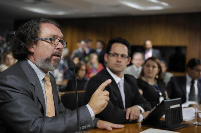Relator pede cassação do mandato de Demóstenes Pedro França/Agência Senado