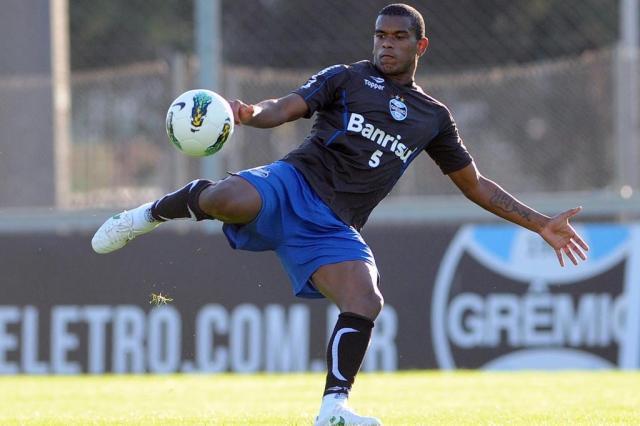 Bate-boca da base: Gestão Kroeff acusa atuais dirigentes de falta de investimento Edu Andrade/Grêmio,Divulgação