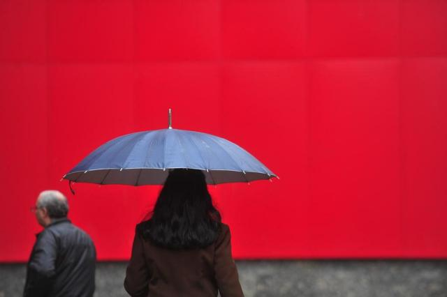 Chuva atinge Porto Alegre e provoca queda na temperatura  Tadeu Vilani/Agencia RBS