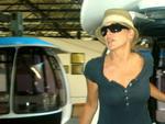 Atriz Sharon Stone passeia no Parque Uniprais em Bal.Camboriú/SC