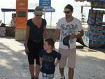 Atriz americana Sharon Stone com o filho Quinn e o namorado Martin Mica passeando na em Laranjeiras, Bal.Camboriú.