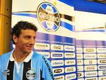 Elano chegou ao Grêmio na mesma negociação que enviou o atacante argentino Miralles ao Santos