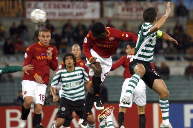 Próximo do Inter e ídolo na Itália, Juan sofreu com lesões na última temporada Ver Descrição/Ver Descrição