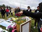 A capital gaúcha recebeu nesta terça-feira manifestações de familiares e amigos das vítimas