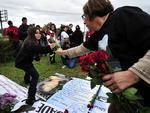 Cerca de 30 pessoas participaram das manifestações no Largo da Vida