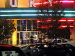 """Um atirador invadiu a sessão de estreia do filme """"Batman"""" em Aurora, Colorado, nos Estados Unidos, e deixou pelo menos 12 mortos e dezenas de feridos"""
