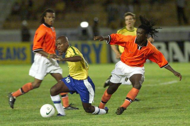 Estreante no Botafogo, Seedorf enfrenta o Grêmio em encontro adiado há quase 17 anos Tasso Marcelo/AE