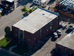No início da tarde de sábado, a polícia conseguiu desativar o primeiro artefato armado no apartamento de James Holmes