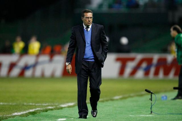 Luxemburgo cita desfalques e jogadores debilitados para explicar derrota Felipe Gabriel, Lancepress/