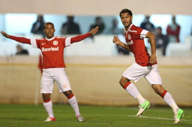 Cotação ZH: Elton está entre os melhores do Inter no empate com o Vasco Diego Vara/