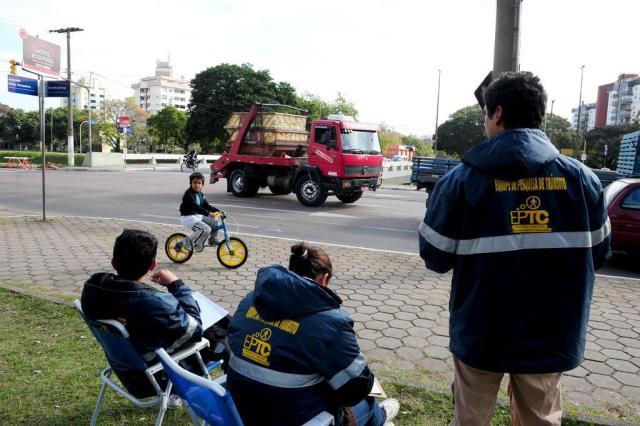 EPTC realiza pesquisa de contagem de tráfego na Capital Fernando Gomes/Agencia RBS