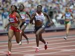 Prova de 400m rasos feminino no primeiro dia de competições no atletismo