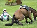 Queda do australiano Clayton Fredericks nas competições dos esportes equestres