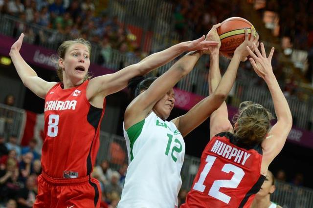 Seleção feminina de basquete perde para o Canadá e está fora dos Jogos TIMOTHY A. CLARY/AFP