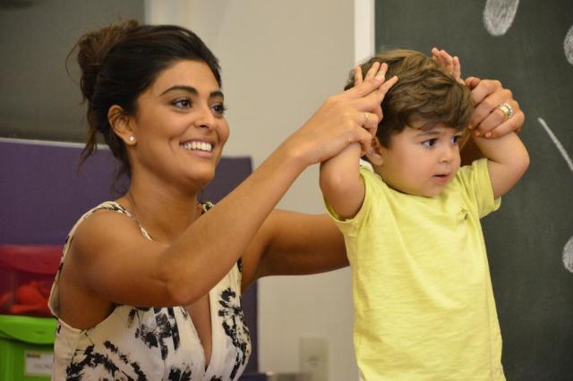 """Juliana Paes apresenta o filho no """"Estrelas"""" Raphael Dias/TV Globo/Divulgação"""