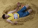 Câmera robótica flagrou o australiano Mitchell Watt durante prova de salto em distância
