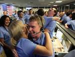 Engenheiros nos Estados Unidos celebraram o sucesso da missão